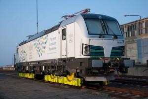 Je Lokomotive 90 to Abmessungen: 19,51 x 3,07 x 4,41 m Gesamt werden 80 Lokomotiven verladen